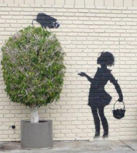 banksy graffiti camera-girl-5 piccola
