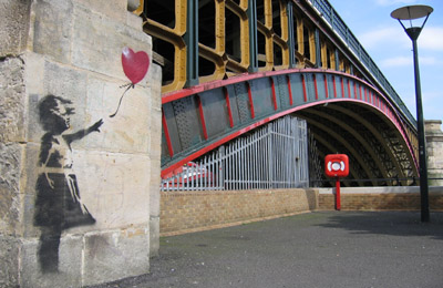 banksy_girl_with_a_balloon